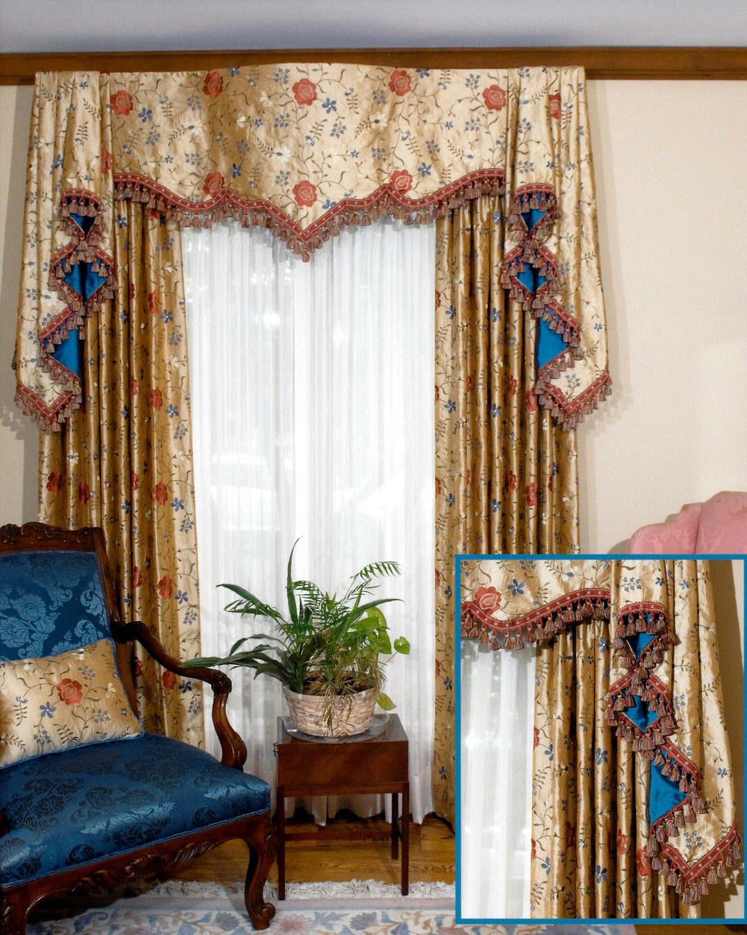 Sophisticated Living Room Valance & Cushions